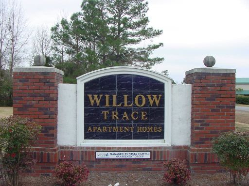 Entrance to Willow Trace apartments in Windsor Hill Plantation